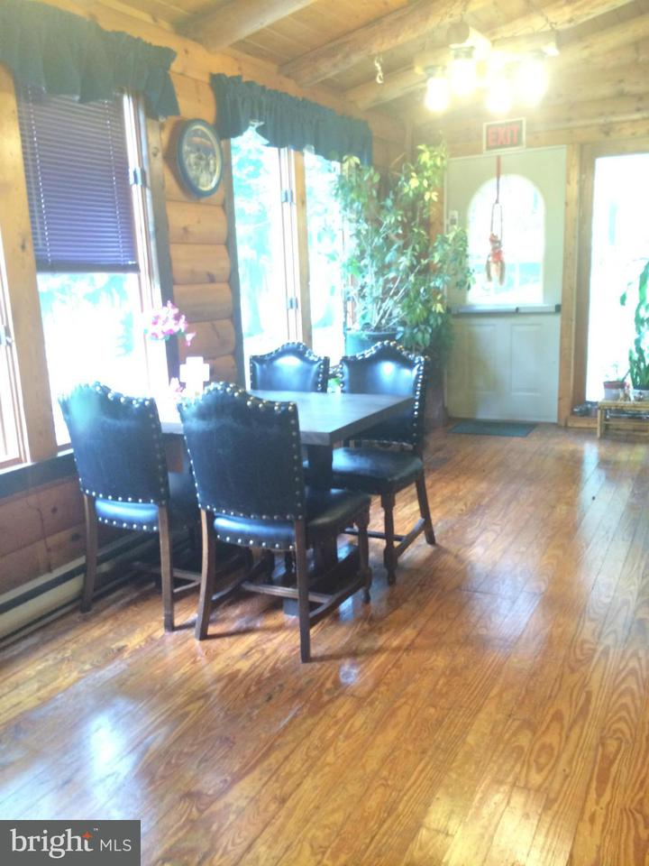 Additional photo for property listing at 7125 HORSE VALLEY Road 7125 HORSE VALLEY Road East Waterford, 賓夕法尼亞州 17021 美國