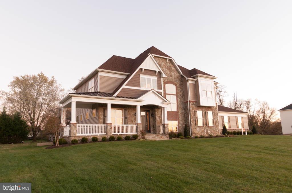 Частный односемейный дом для того Продажа на 10386 SPRINGSIDE TER 10386 SPRINGSIDE TER Ijamsville, Мэриленд 21754 Соединенные Штаты