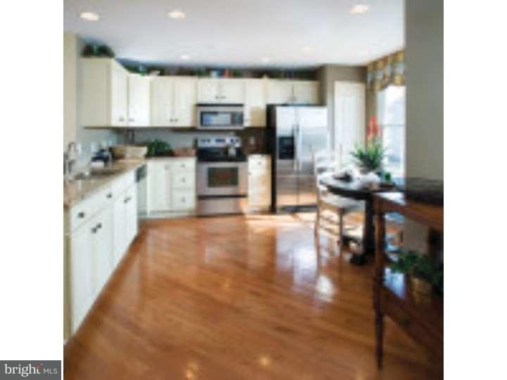 Additional photo for property listing at 337 LENAPE WAY  Claymont, 特拉华州 19703 美国