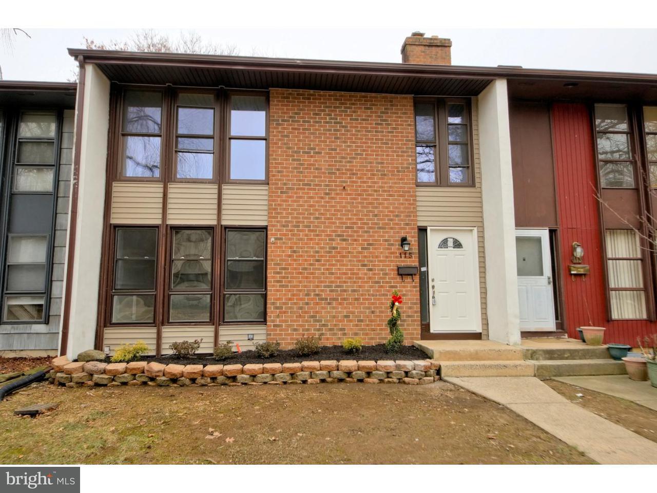 联栋屋 为 销售 在 115 BENNINGTON Drive 东温莎, 新泽西州 08520 美国在/周边: East Windsor Township