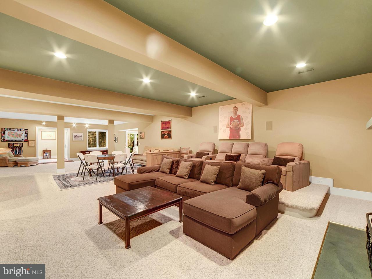 Additional photo for property listing at 9255 HARTS MILL Road 9255 HARTS MILL Road Warrenton, Virginia 20186 Stati Uniti