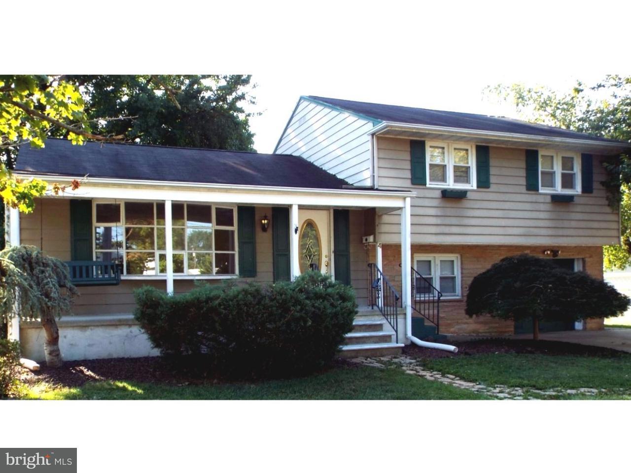 Casa Unifamiliar por un Alquiler en 4 ROSLYN Road Hamilton, Nueva Jersey 08610 Estados UnidosEn/Alrededor: Hamilton Township