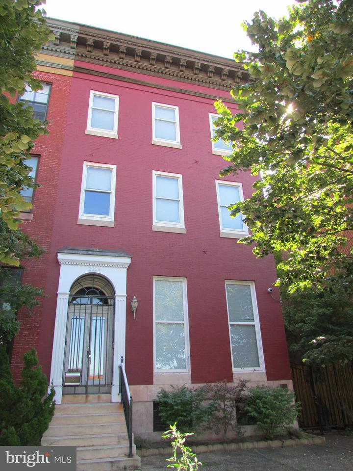 Commercial for Sale at 2313 Maryland Ave Baltimore, Maryland 21218 United States