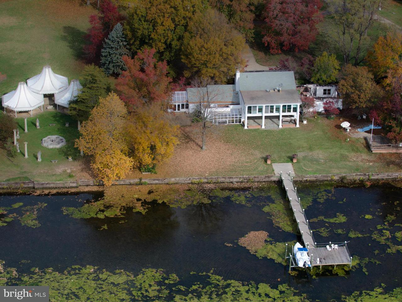 Additional photo for property listing at 10606 BELMONT BLVD 10606 BELMONT BLVD Lorton, Виргиния 22079 Соединенные Штаты