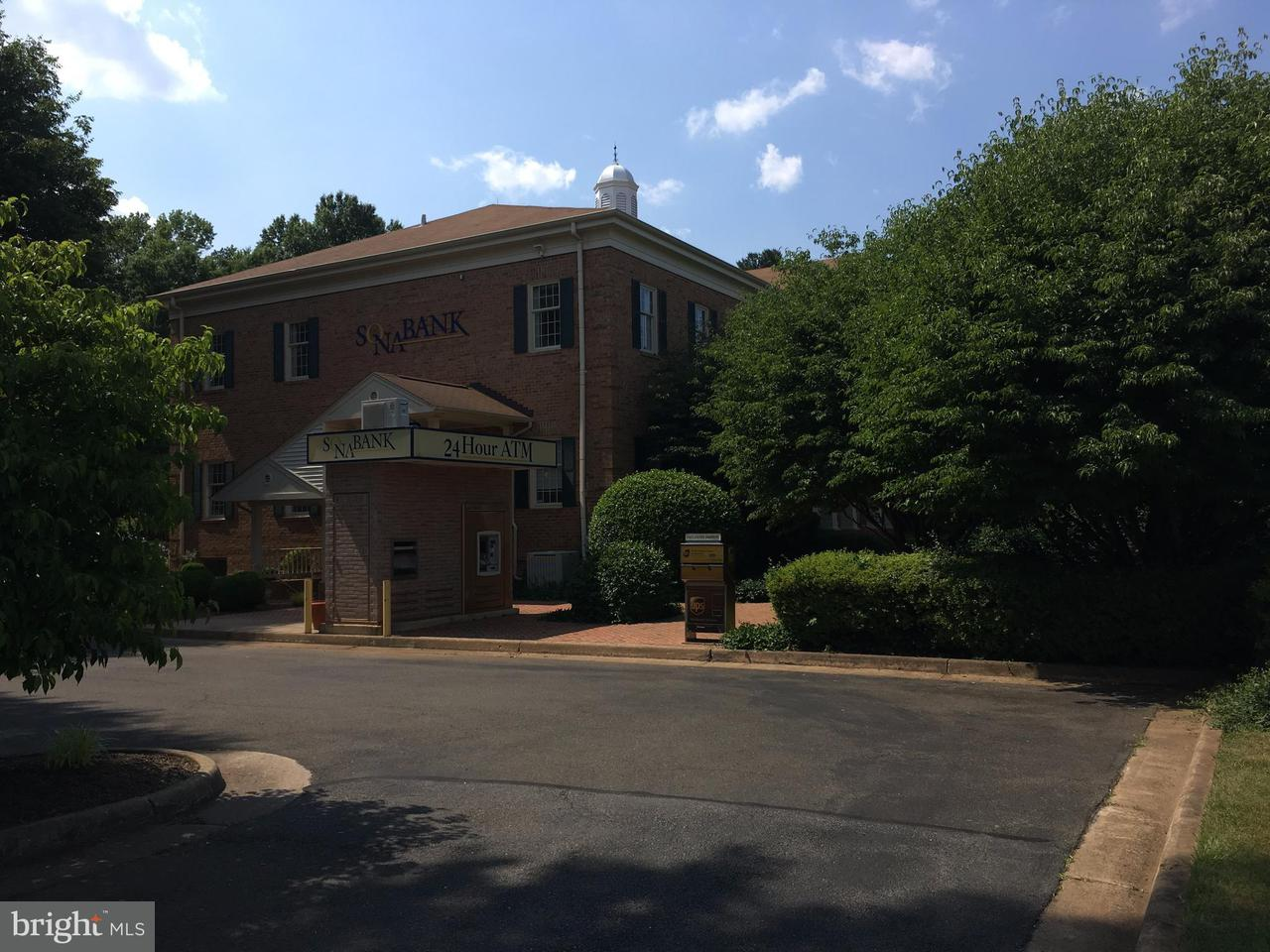 Additional photo for property listing at 550 BROADVIEW Avenue 550 BROADVIEW Avenue Warrenton, Virginia 20186 Stati Uniti