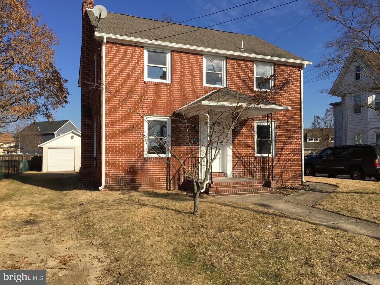 Maison unifamiliale pour l Vente à 423 MEMORIAL Avenue Gibbstown, New Jersey 08027 États-Unis