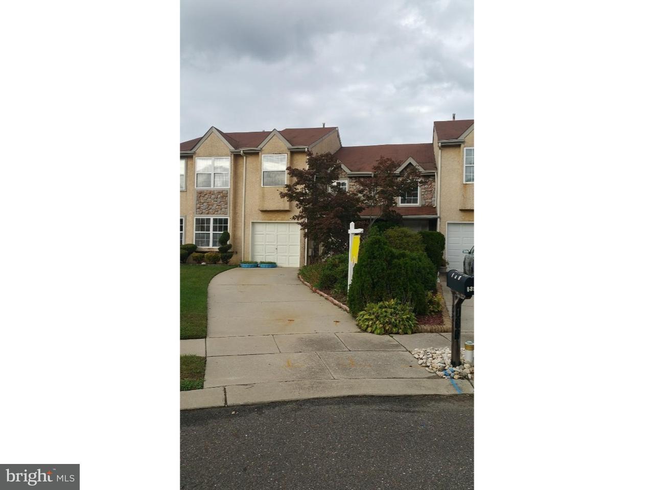 Radhus för Försäljning vid 135 LAKESIDE Drive Atco, New Jersey 08004 Usa