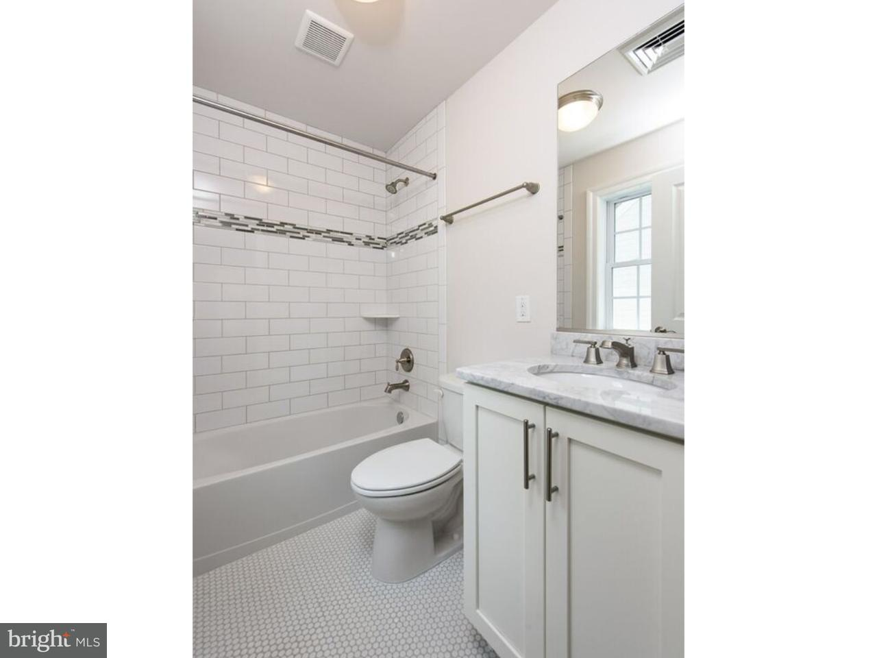 526  Manor Wynnewood , PA 19096