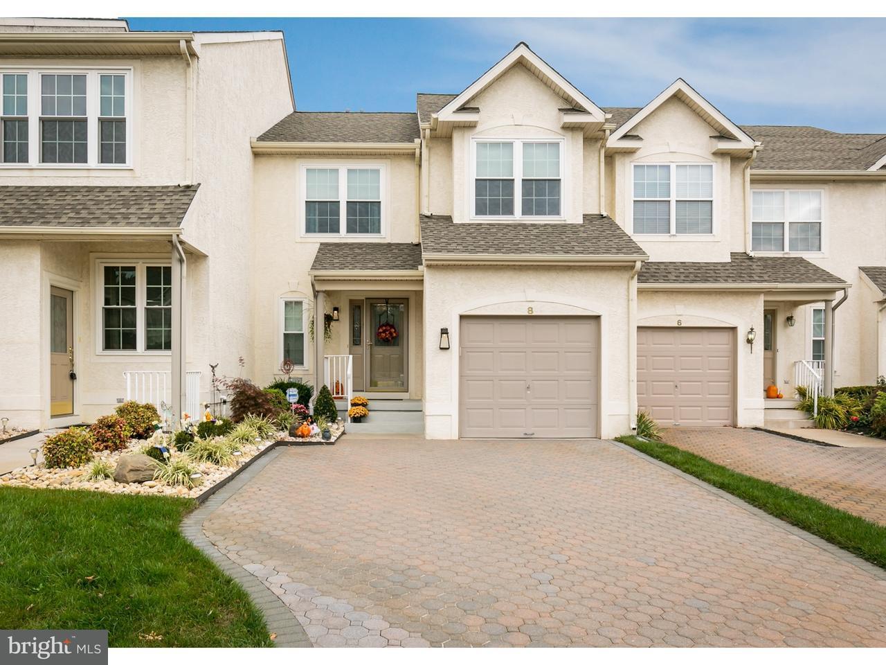 Maison accolée pour l Vente à 8 HERON POINTE Court Marlton, New Jersey 08053 États-Unis