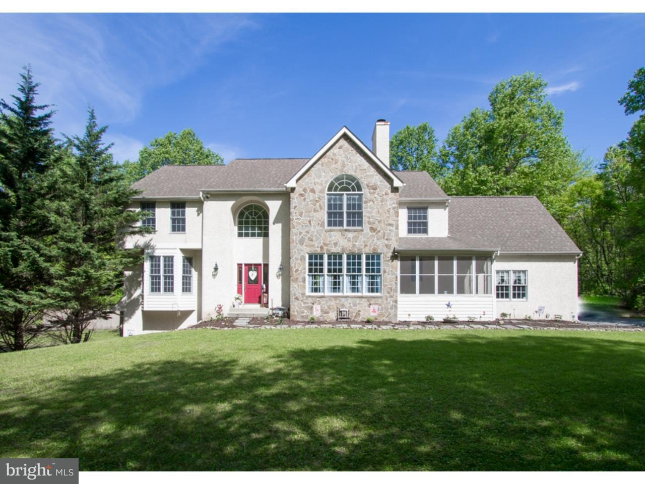 Casa Unifamiliar por un Venta en 1653 HILLTOP Road Chester Springs, Pennsylvania 19475 Estados Unidos