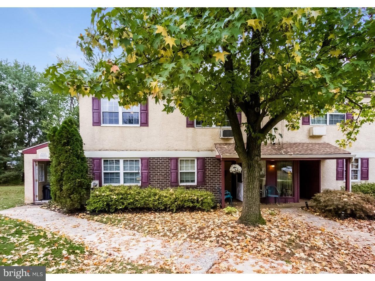 Maison accolée pour l Vente à 178 ELEPHANT RD #B24 Dublin, Pennsylvanie 18917 États-Unis