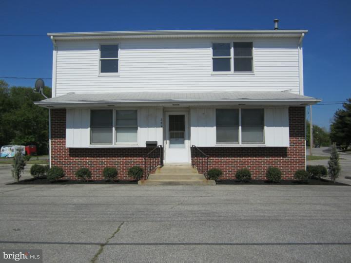 Casa Unifamiliar por un Alquiler en 234 N VIRGINIA AVE #2ND FL Carneys Point, Nueva Jersey 08069 Estados Unidos