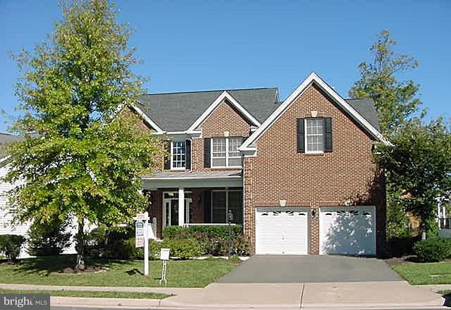 Single Family Home for Sale at 23014 CATERHAM Drive 23014 CATERHAM Drive Ashburn, Virginia 20148 United States