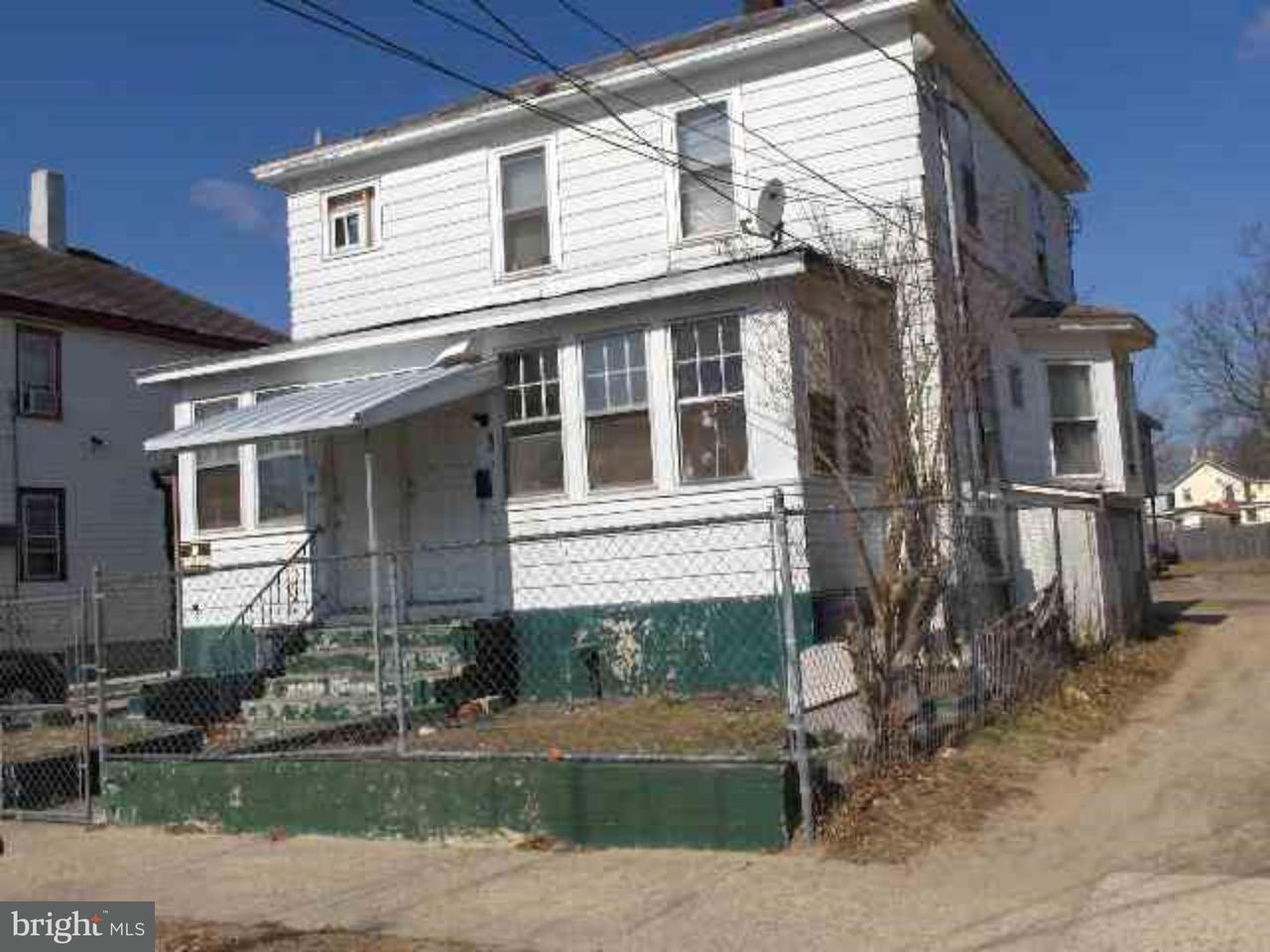 Разнобразная частная недвижимость для того Продажа на 328 W PEACH Street Vineland, Нью-Джерси 08360 Соединенные Штаты