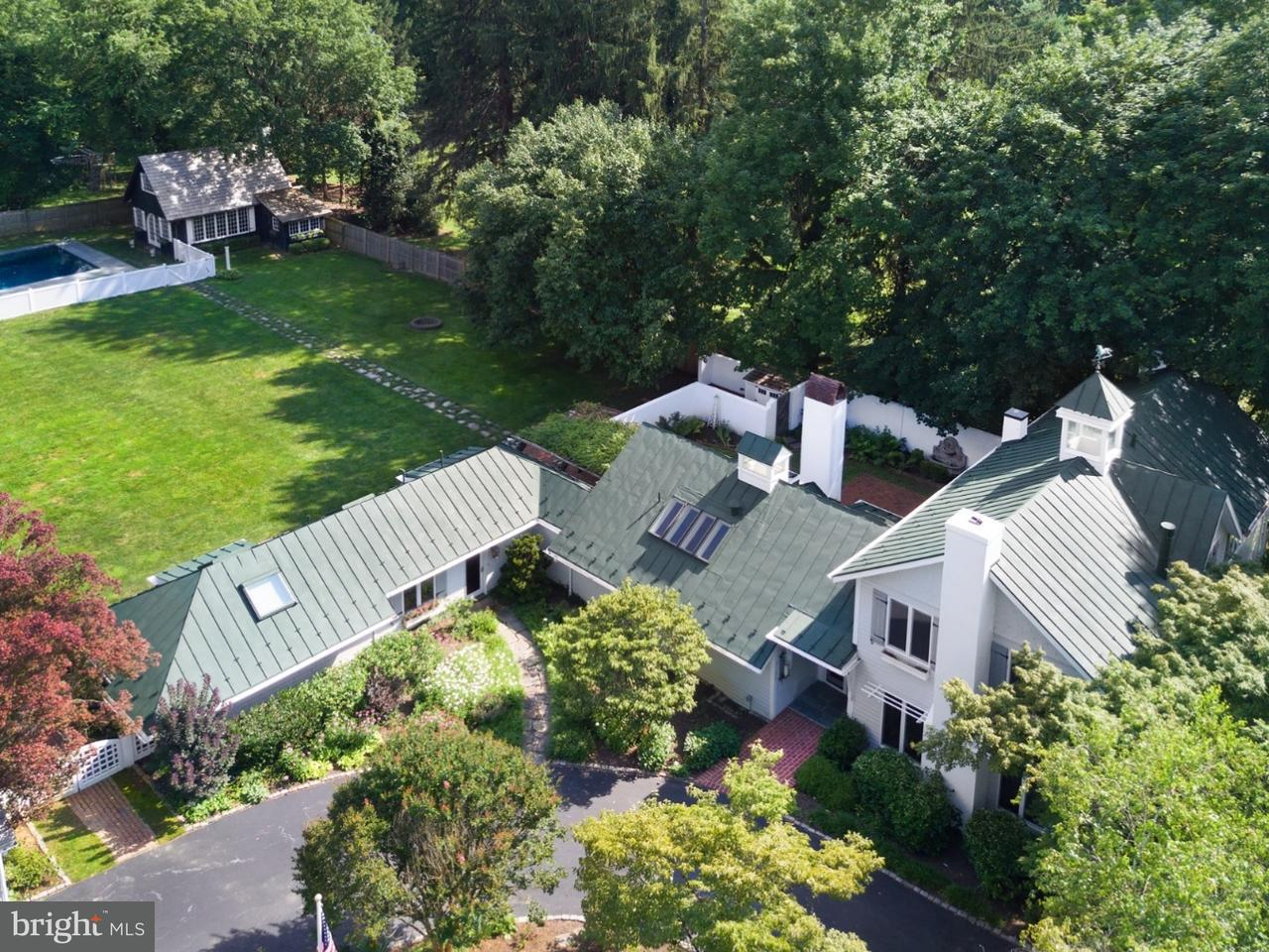 Частный односемейный дом для того Продажа на 206 SUGARTOWN Road Devon, Пенсильвания 19333 Соединенные Штаты