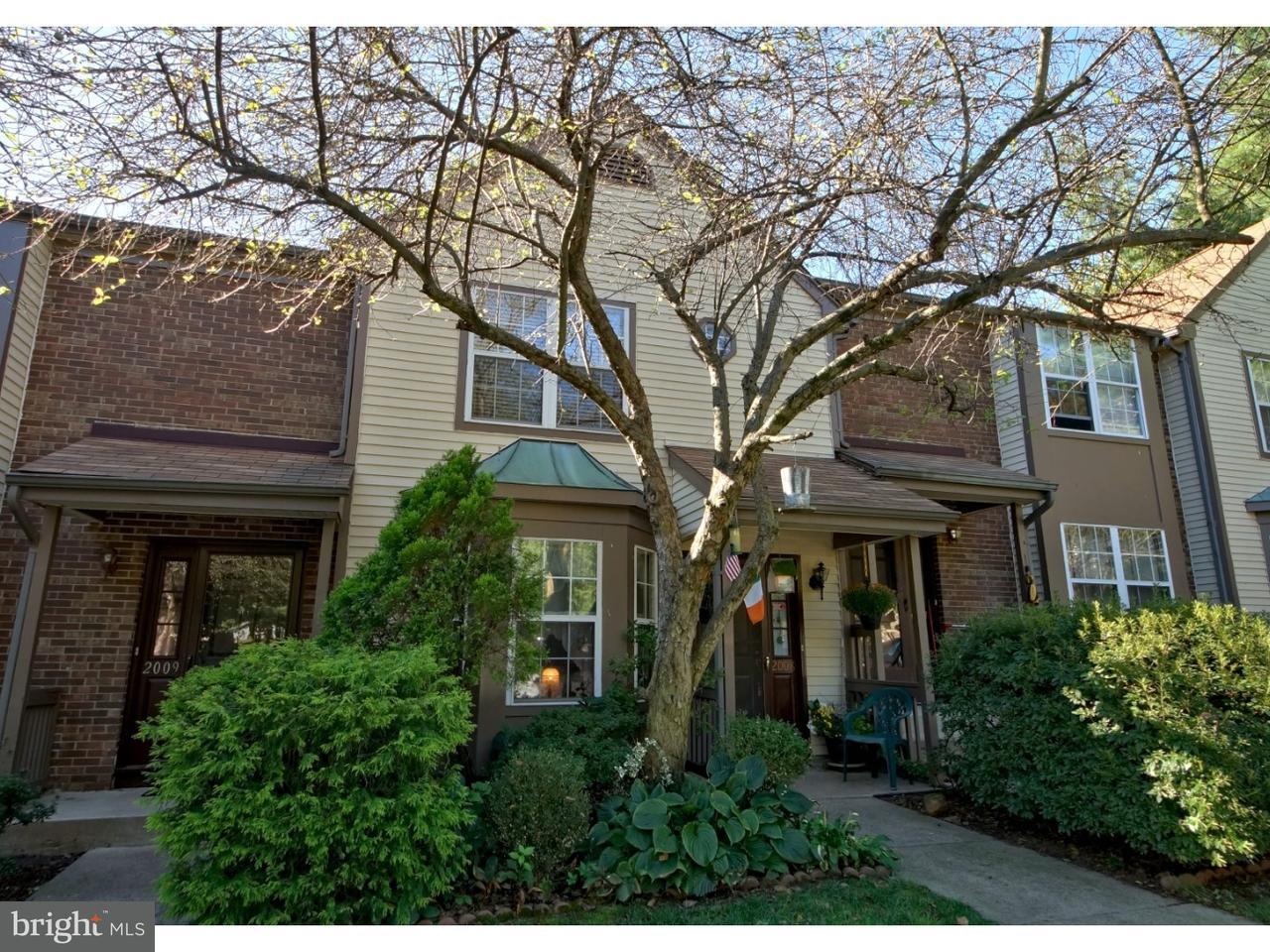 タウンハウス のために 売買 アット 2008 SANDLEWOOD Court Monmouth Junction, ニュージャージー 08852 アメリカ合衆国で/アラウンド: South Brunswick Township