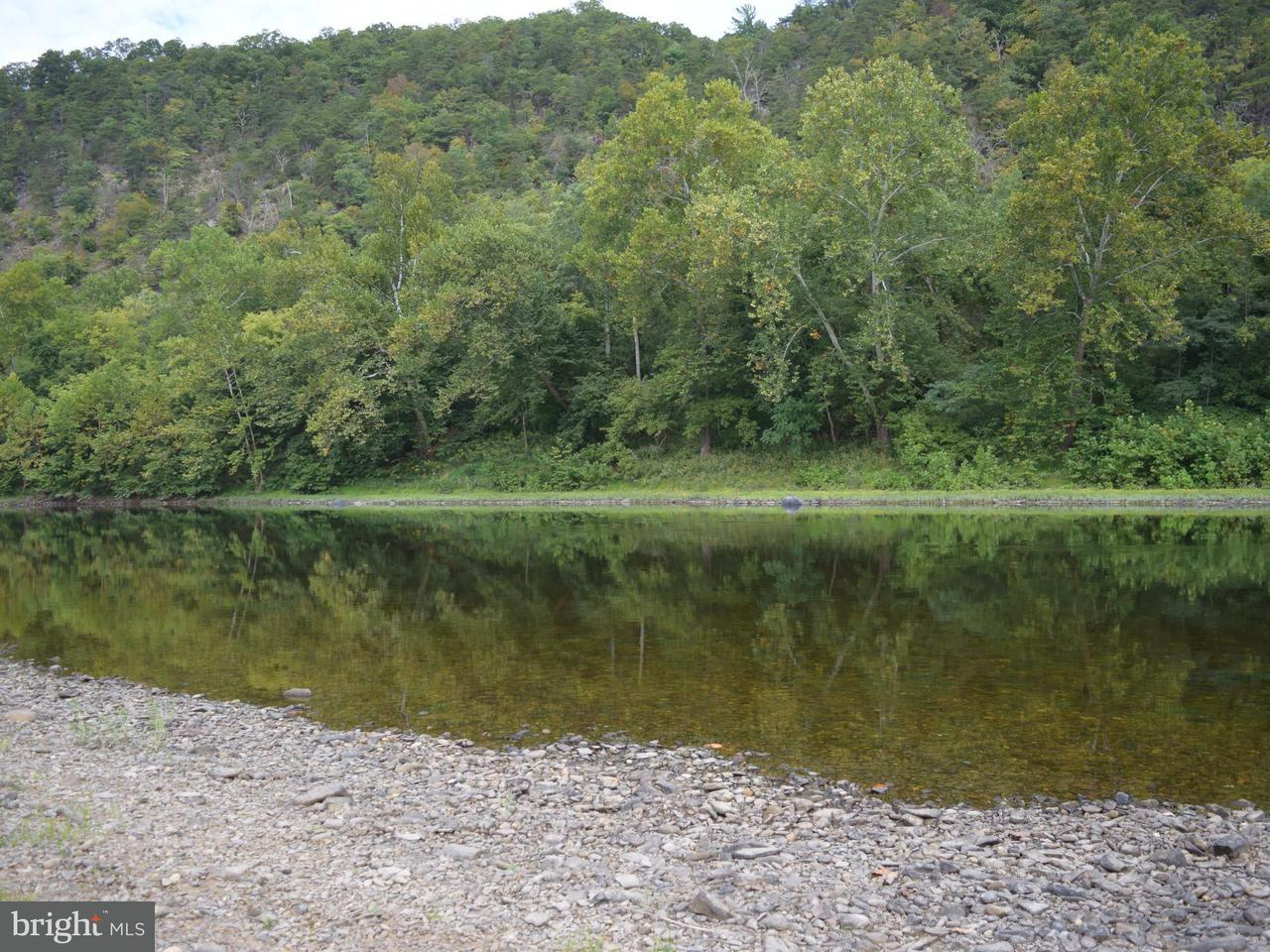 Additional photo for property listing at 12801 CSX Road 12801 CSX Road Great Cacapon, West Virginia 25422 United States