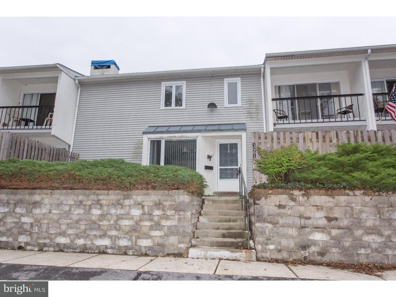 Maison accolée pour l à louer à 121 E CHELSEA Circle Newtown Square, Pennsylvanie 19073 États-Unis