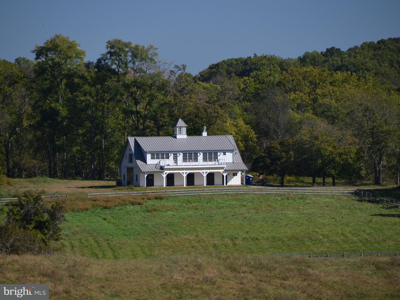 Granja por un Venta en 2397 DELAPLANE GRADE Road 2397 DELAPLANE GRADE Road Delaplane, Virginia 20144 Estados Unidos