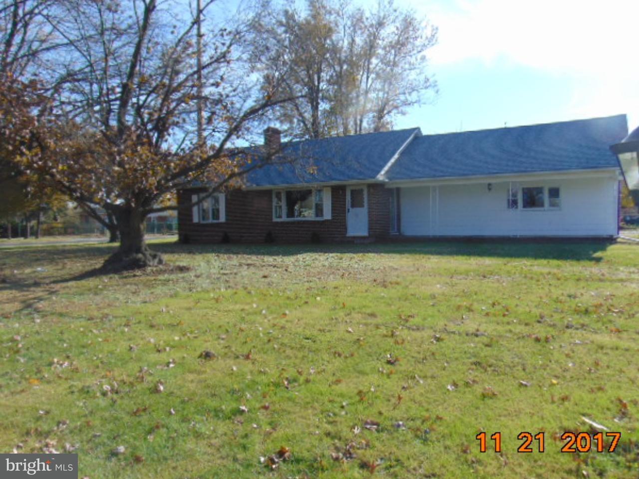 Maison unifamiliale pour l Vente à 310 SWEDESBORO Road Gibbstown, New Jersey 08027 États-Unis