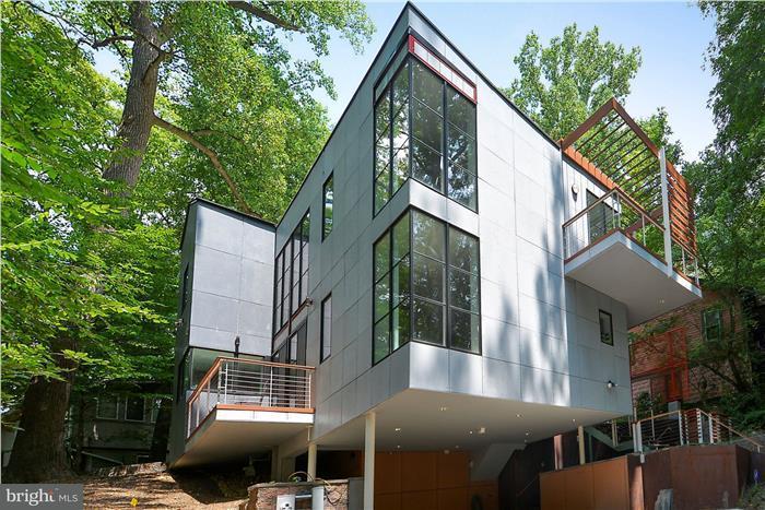 Maison unifamiliale pour l Vente à 206 DOMER Avenue 206 DOMER Avenue Takoma Park, Maryland 20912 États-Unis