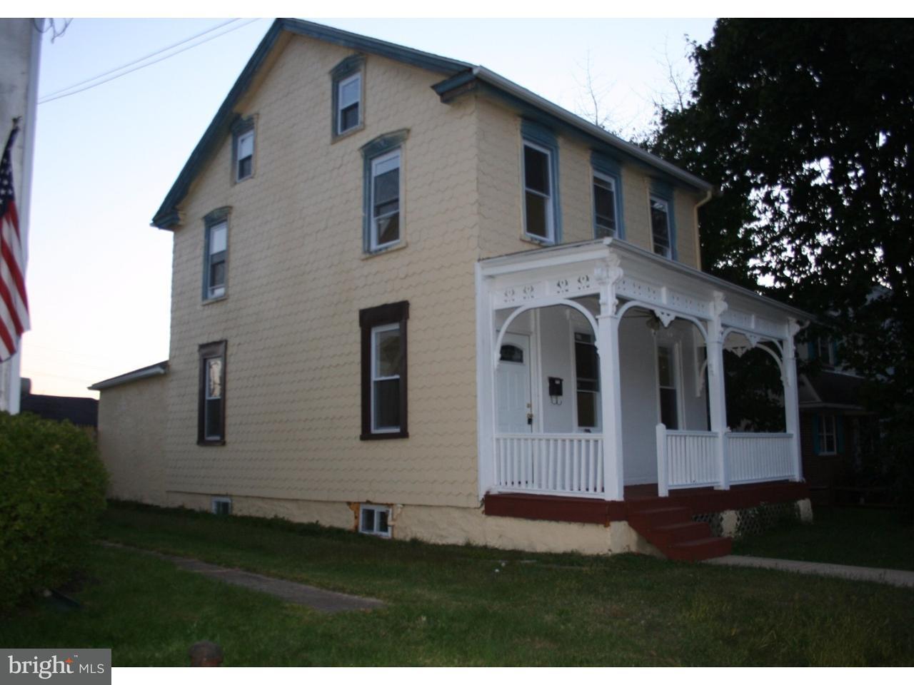 Casa Unifamiliar por un Alquiler en 164 JENKINS Avenue Lansdale, Pennsylvania 19446 Estados Unidos