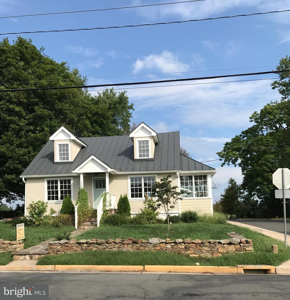 Other Residential for Rent at 100 Marshall St Middleburg, Virginia 20117 United States