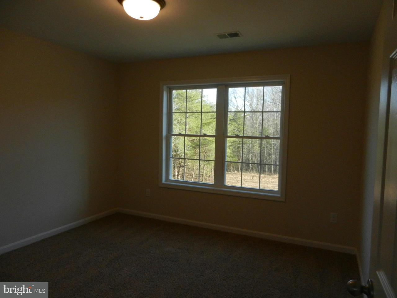 Additional photo for property listing at 7235 JOCKEY Court 7235 JOCKEY Court Hughesville, Мэриленд 20637 Соединенные Штаты