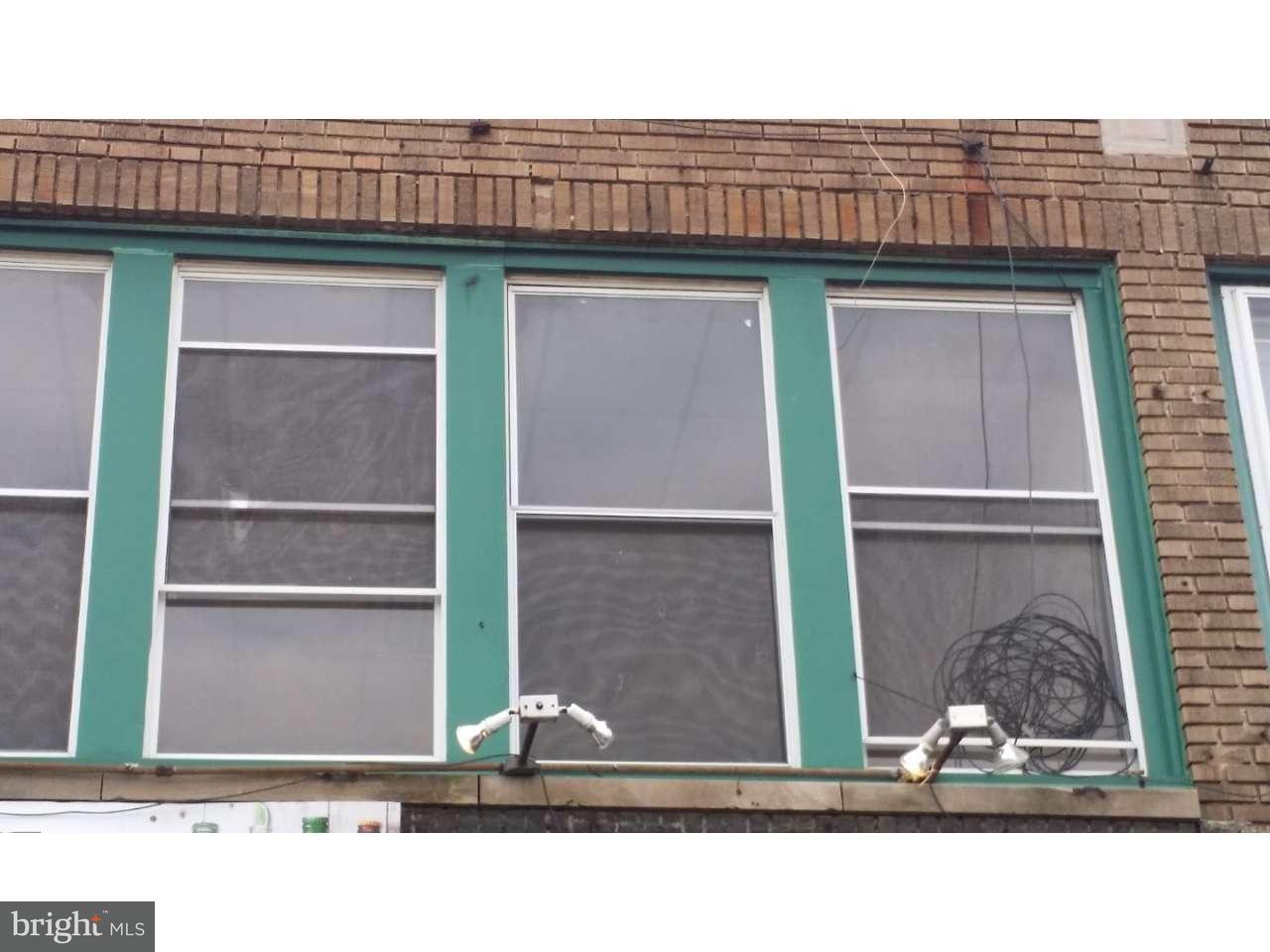 Частный односемейный дом для того Продажа на 6840 WEST CHESTER PIKE Upper Darby, Пенсильвания 19082 Соединенные Штаты