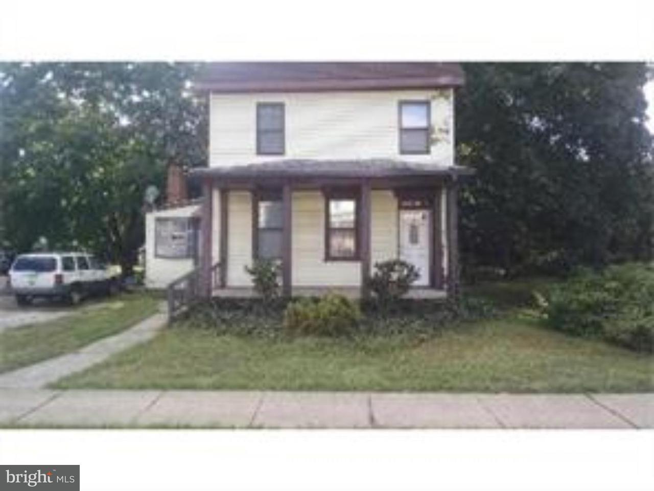 Casa Unifamiliar por un Alquiler en 317 N MAIN Street Glassboro, Nueva Jersey 08028 Estados Unidos