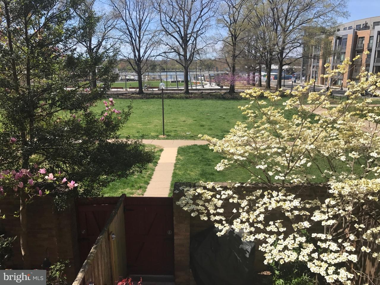 Townhouse for Sale at 433 N St Sw #Th433 433 N St Sw #Th433 Washington, District Of Columbia 20024 United States
