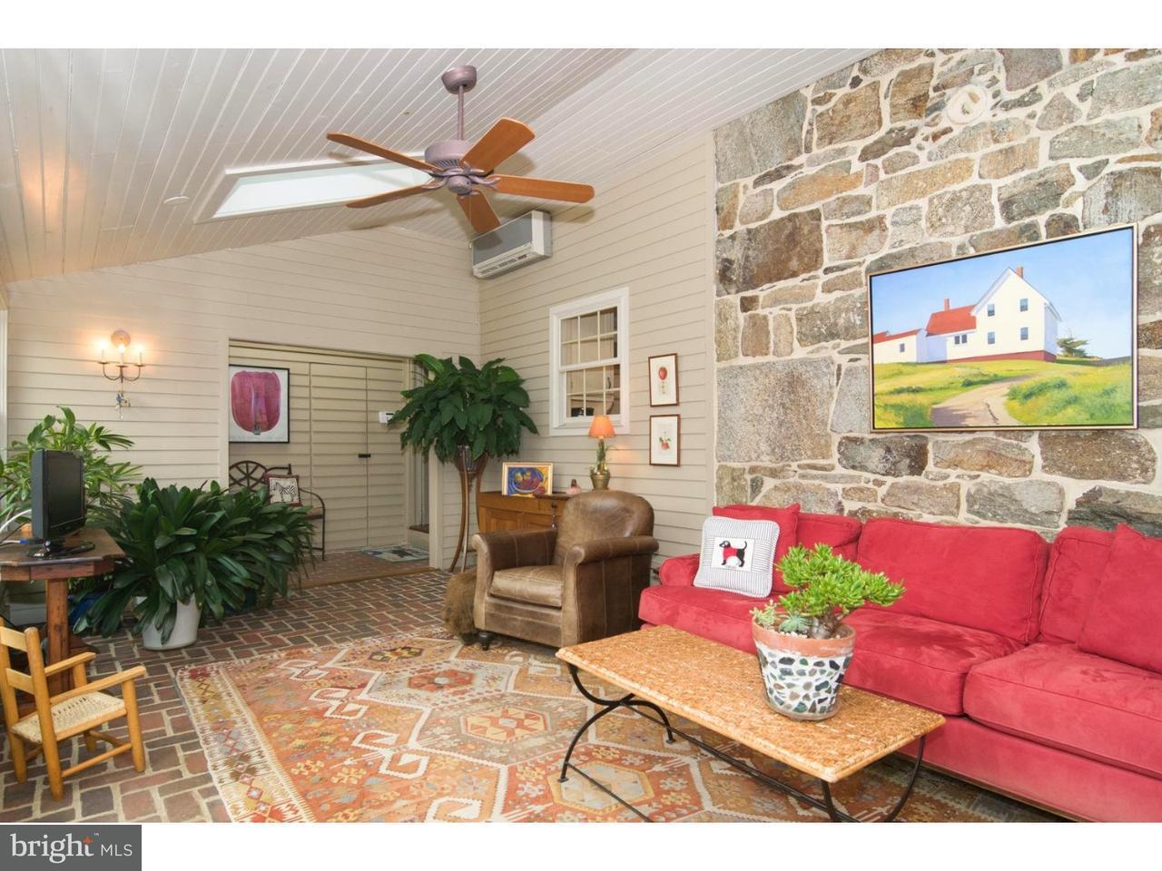 Частный односемейный дом для того Продажа на 183 BOLLINGER Road Elverson, Пенсильвания 19520 Соединенные Штаты