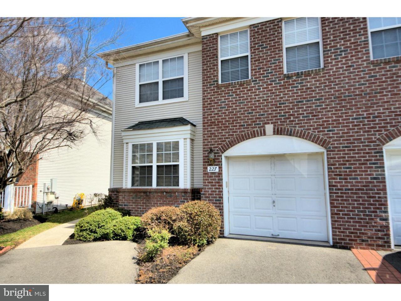 Maison accolée pour l à louer à 227 FOUNTAYNE Lane Lawrence, New Jersey 08648 États-UnisDans/Autour: Lawrence Township