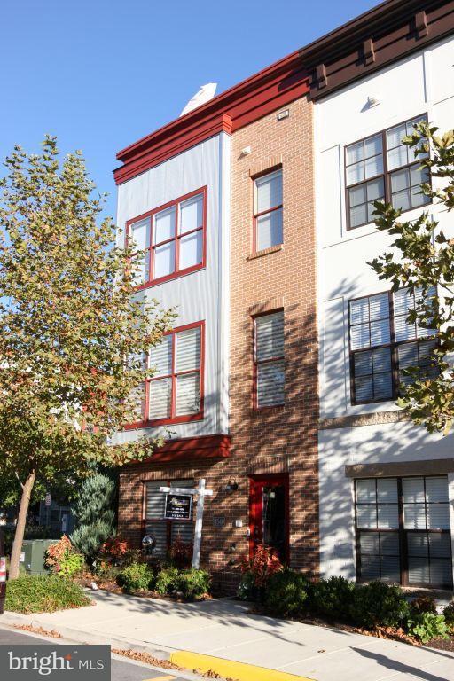 Σπίτι στην πόλη για την Πώληση στο 4540 LONGFELLOW Street 4540 LONGFELLOW Street Hyattsville, Μεριλαντ 20781 Ηνωμενεσ Πολιτειεσ