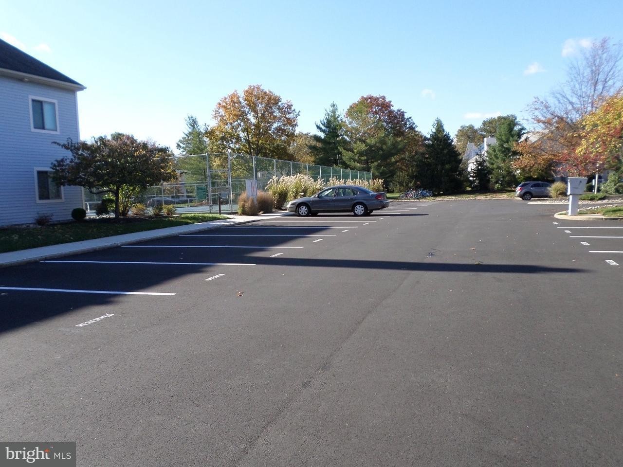 Condominio per Vendita alle ore 2301 ASPEN Drive Plainsboro, New Jersey 08536 Stati UnitiIn/In giro: Plainsboro Township