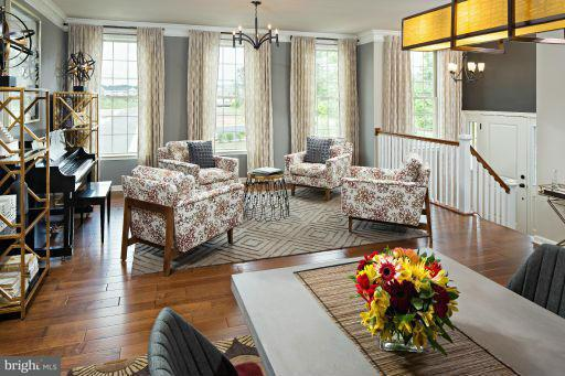 Additional photo for property listing at 42898 EDGEGROVE HEIGHTS TER 42898 EDGEGROVE HEIGHTS TER Ashburn, Virginia 20148 Estados Unidos