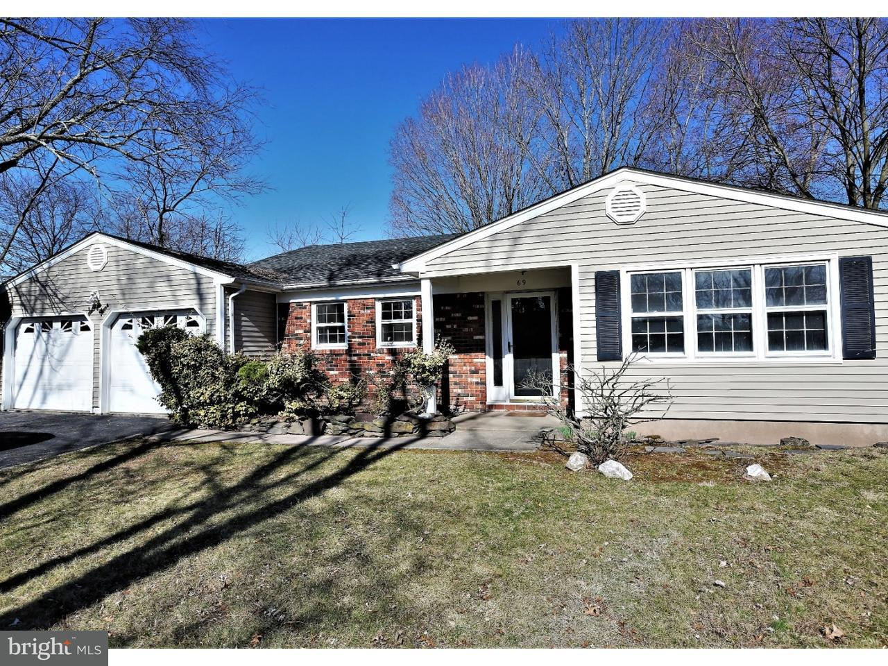 Single Family Home for Sale at 69 OAKEY Drive Kendall Park, New Jersey 08824 United StatesMunicipality: South Brunswick Township