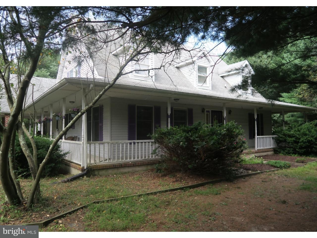 Maison unifamiliale pour l Vente à 241 LONGSWAMP Road New Egypt, New Jersey 08533 États-Unis