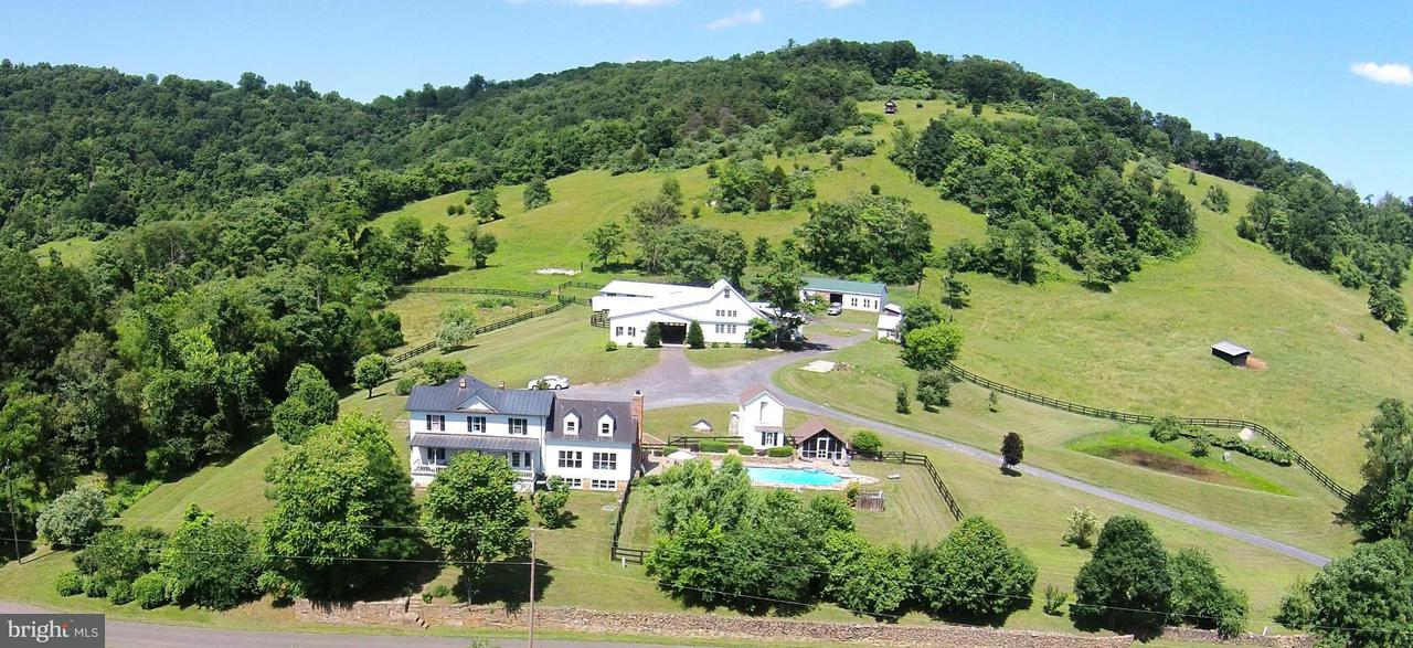 Farm for Sale at 374 BEN VENUE Road 374 BEN VENUE Road Flint Hill, Virginia 22627 United States