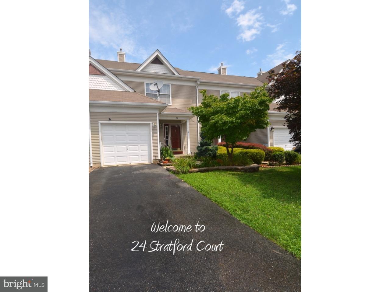 Casa unifamiliar adosada (Townhouse) por un Alquiler en 24 STRATFORD Court Burlington, Nueva Jersey 08016 Estados Unidos