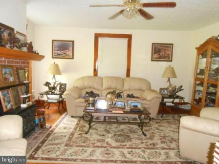 Additional photo for property listing at 10130 US HIGHWAY 340 10130 US HIGHWAY 340 Shenandoah, 弗吉尼亞州 22849 美國
