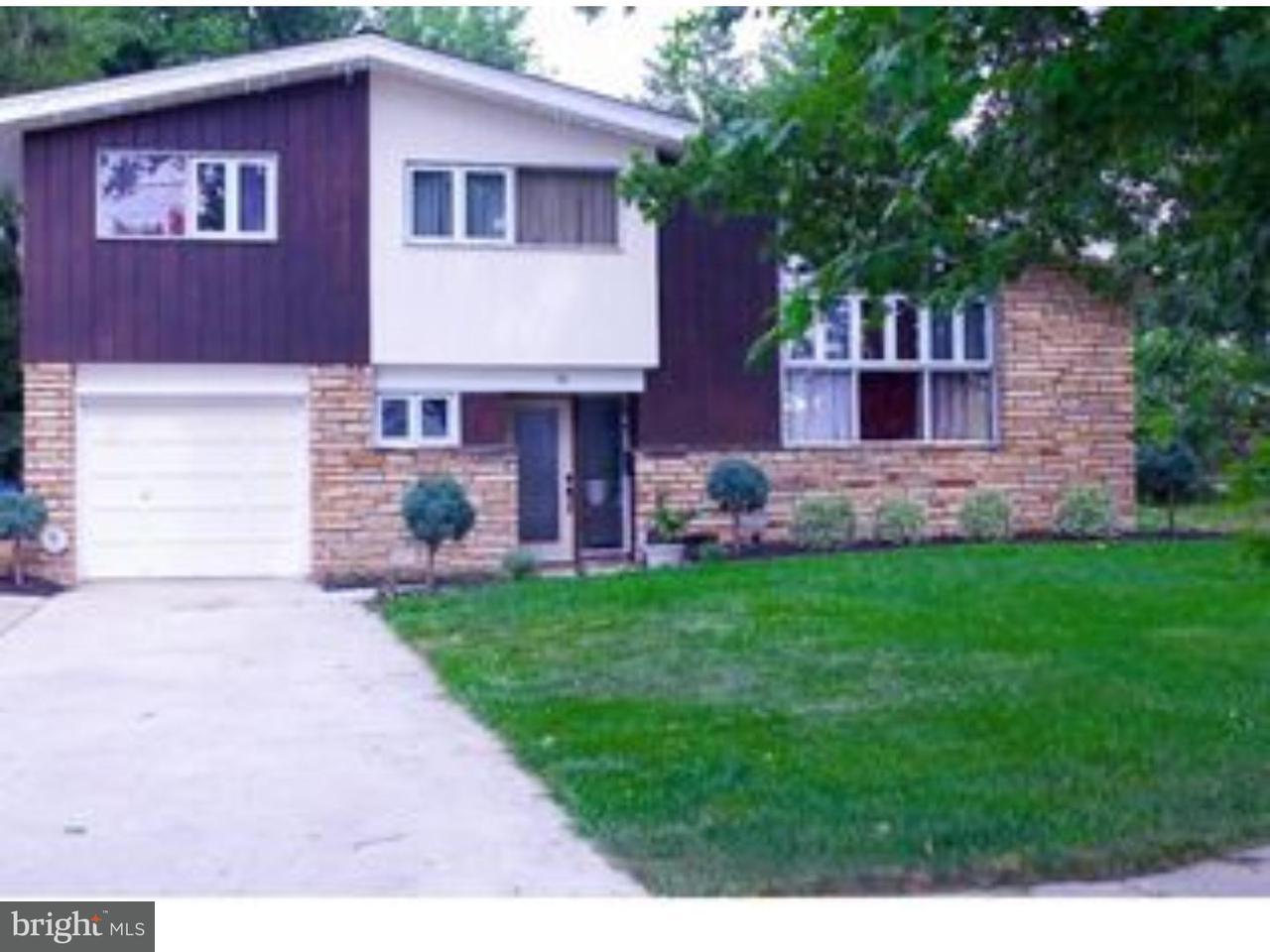 Частный односемейный дом для того Аренда на 75 S MAPLE Avenue Evesham Twp, Нью-Джерси 08053 Соединенные Штаты