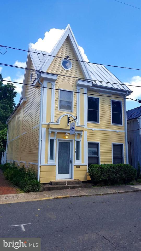 Commercieel voor Verkoop een t 18 LIBERTY ST SW 18 LIBERTY ST SW Leesburg, Virginia 20175 Verenigde Staten