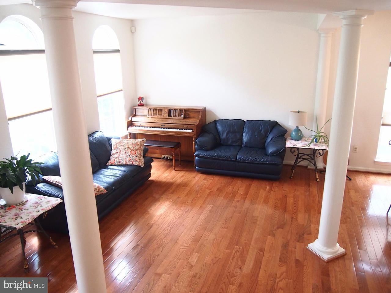 獨棟家庭住宅 為 出售 在 10124 WINTERBROOK Lane 10124 WINTERBROOK Lane Jessup, 馬里蘭州 20794 美國
