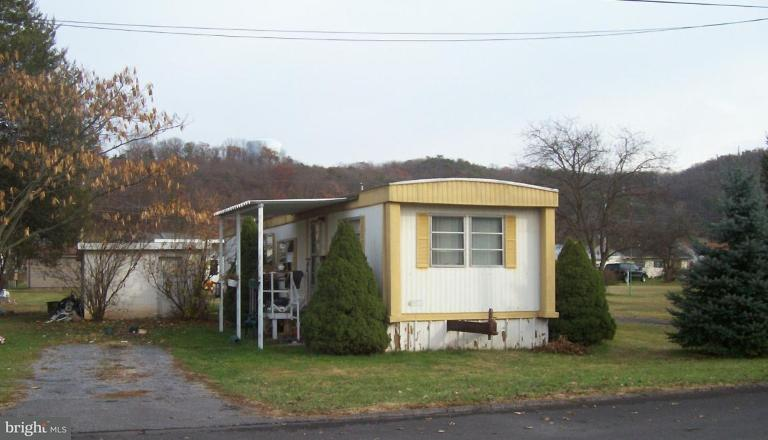 Single Family for Sale at 224 Chipley Ln Moorefield, West Virginia 26836 United States