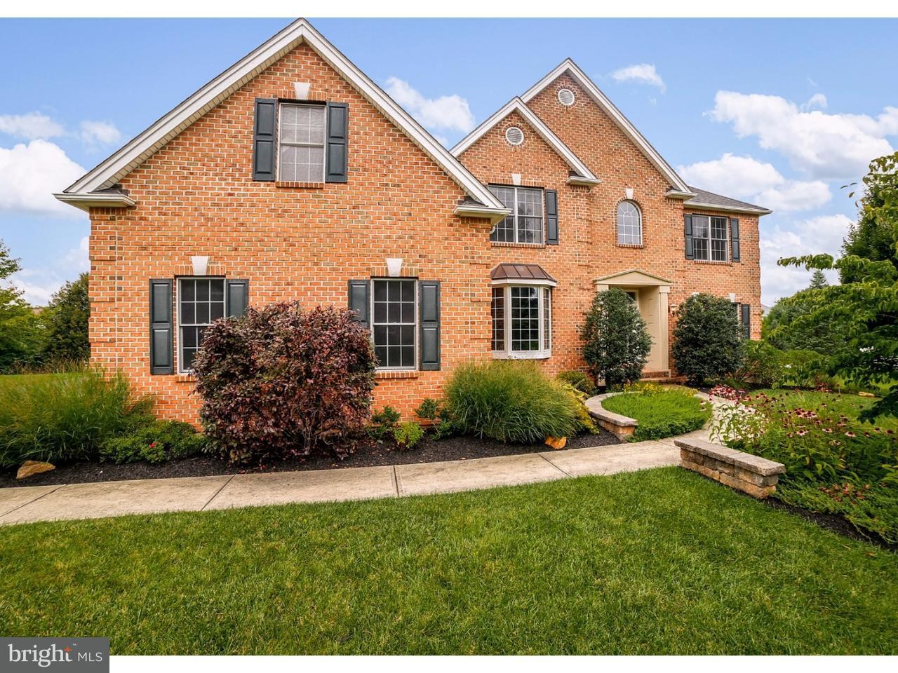 Casa Unifamiliar por un Venta en 3225 N BAY HILL Drive Center Valley, Pennsylvania 18034 Estados Unidos