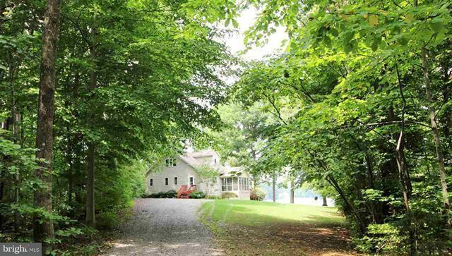 Additional photo for property listing at 53 POINT Drive 53 POINT Drive Bumpass, Virginia 23024 Estados Unidos