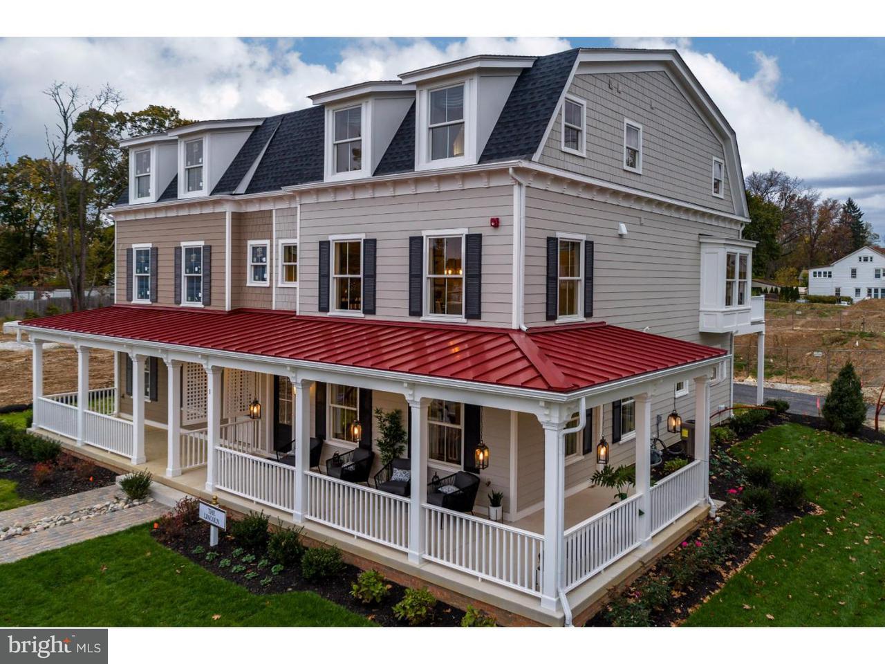 Maison accolée pour l Vente à 1 W SPRING Avenue Ardmore, Pennsylvanie 19003 États-Unis