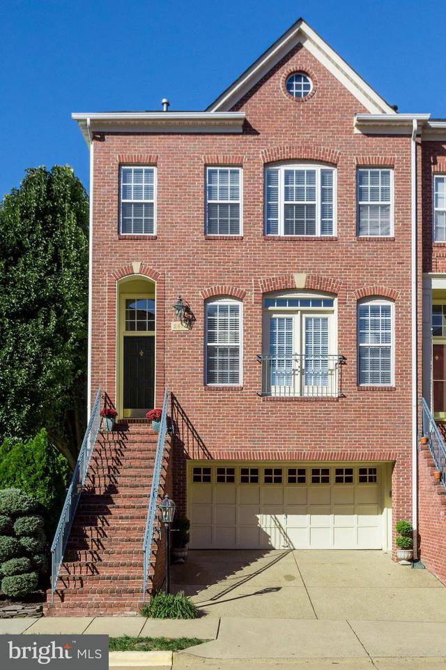 タウンハウス のために 売買 アット 2814 SAINT CROIX Drive 2814 SAINT CROIX Drive Vienna, バージニア 22180 アメリカ合衆国
