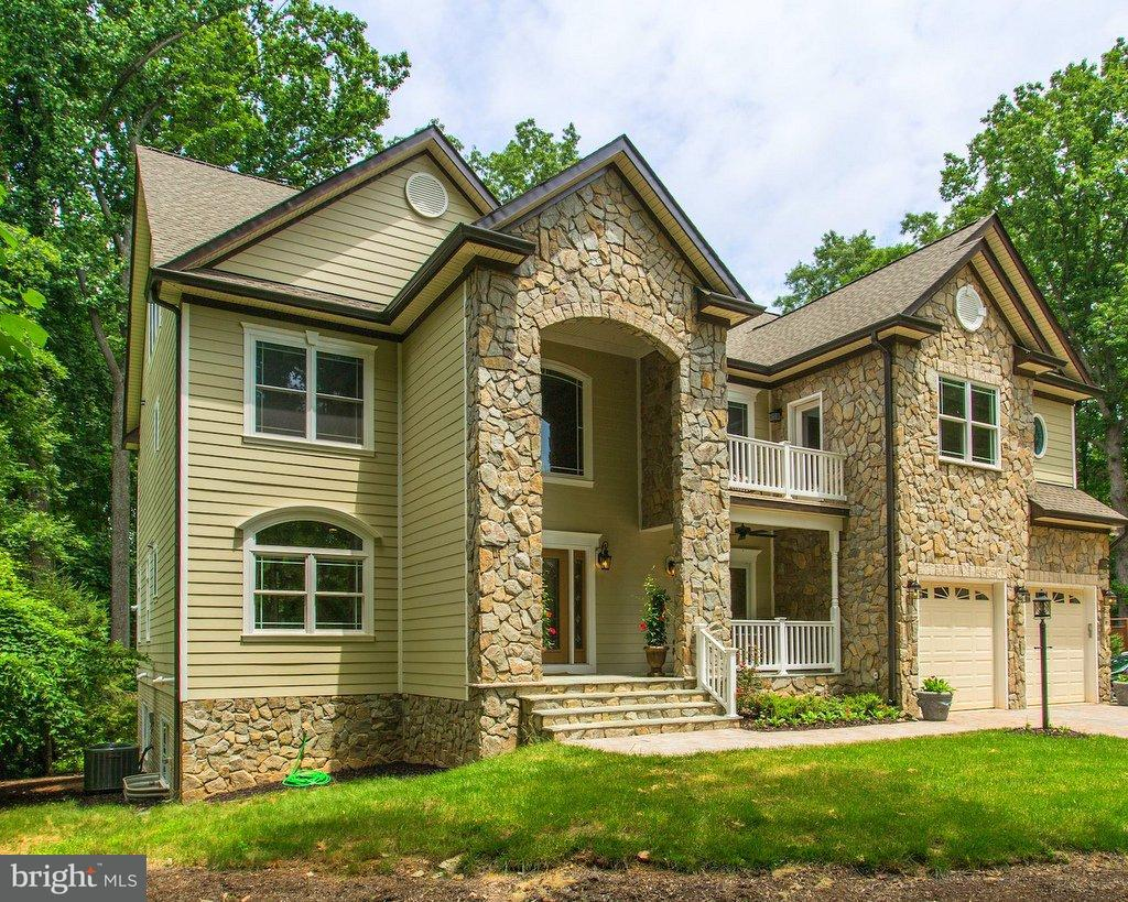 Single Family Home for Sale at 11932 WAPLES MILL Road 11932 WAPLES MILL Road Oakton, Virginia 22124 United States